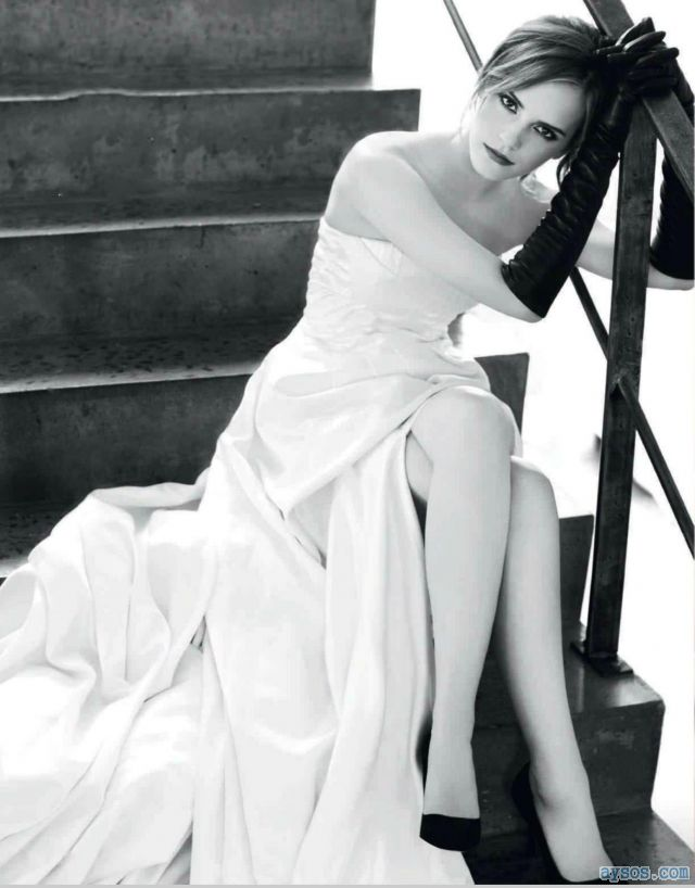 Pretty and Leggy Emma Watson