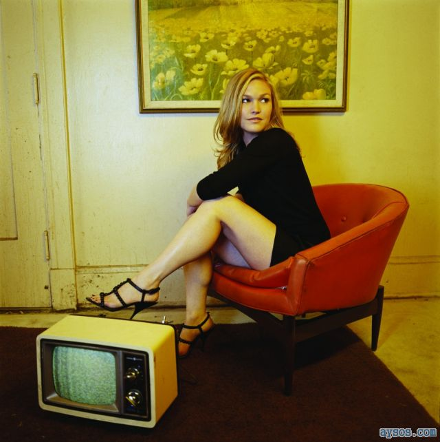 Julia Stiles and her long legs