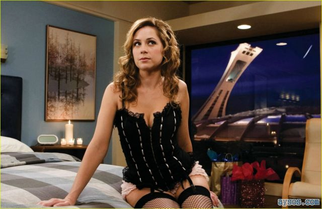 Jenna Fischer in fishnet stockings
