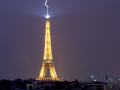 Eiffel Tower lighting strike picture