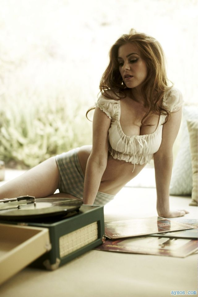 Amazing Isla Fisher so hot