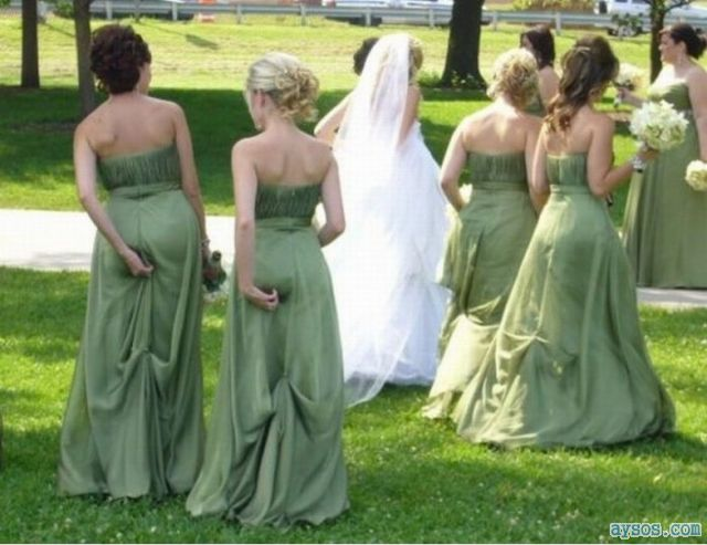 Brides maids scratching ass