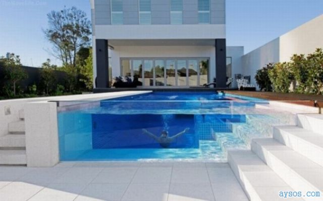 Awesome pool at a rich house