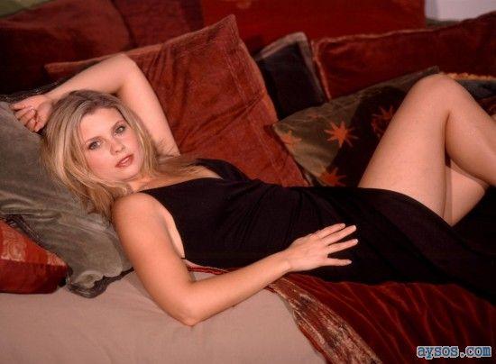 Sexy Actress Joanna Garcia