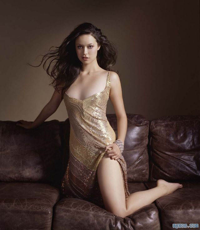 Beautiful Summer Glau picture
