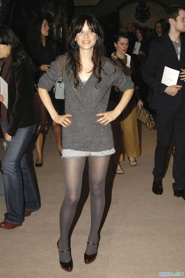 Zooey Deschanel cute with sexy legs