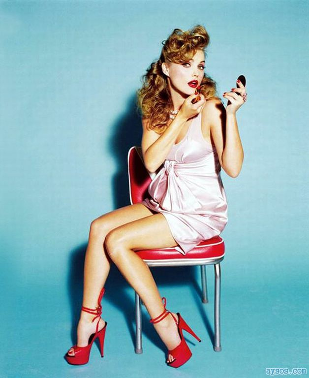 Keri Russell in red heels and lipstick