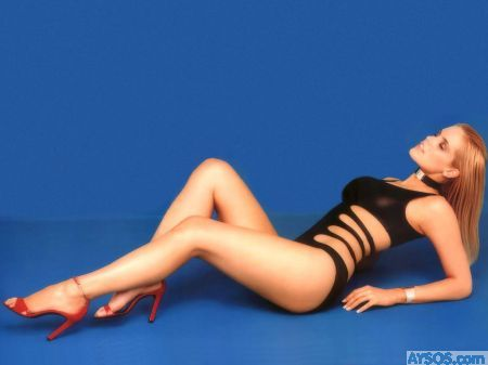 Celebrity Gena Lee Nolin